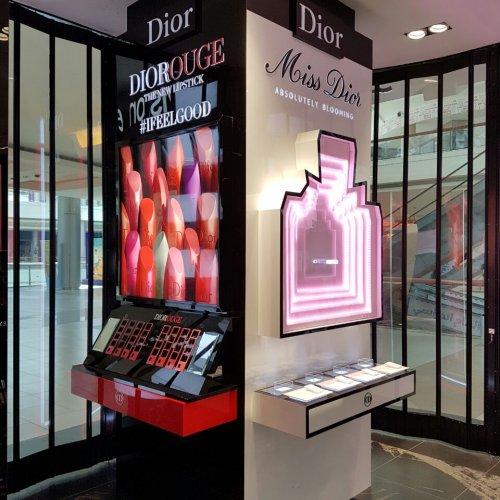 Dior Pillar